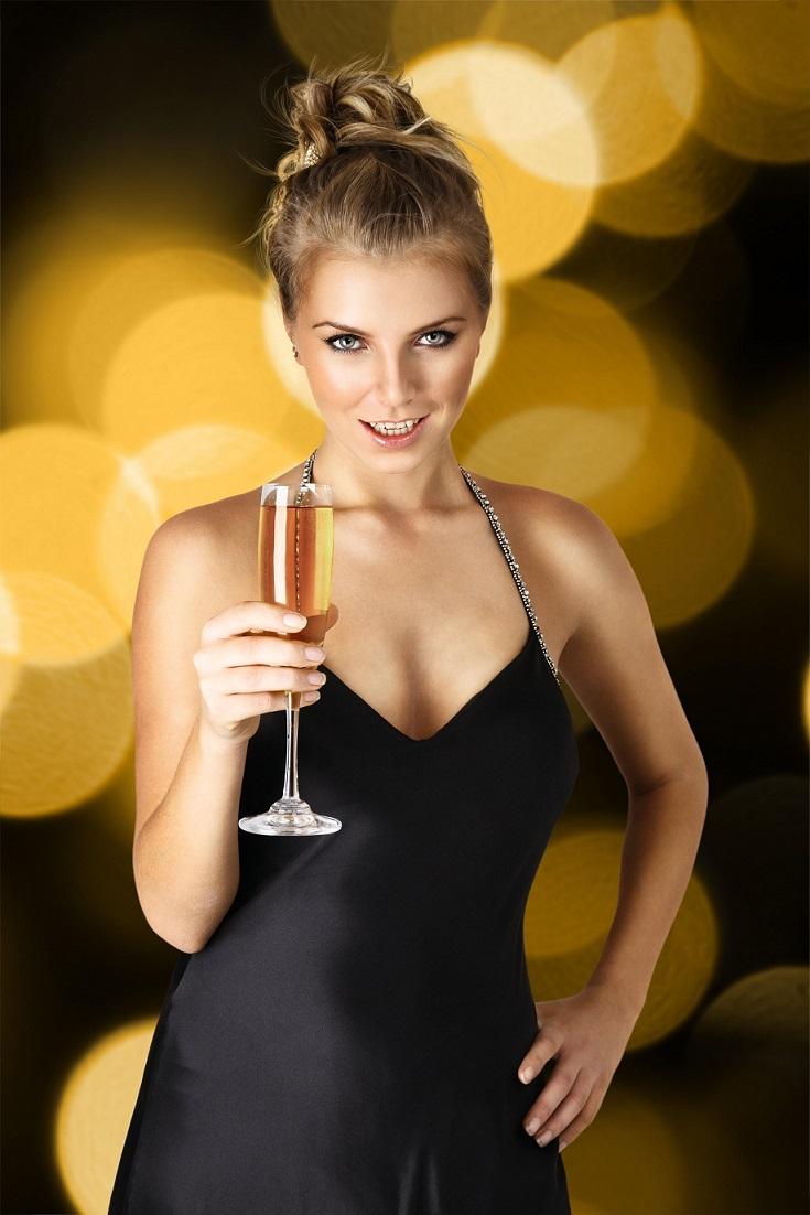 Фото девушек с шампанским в руках